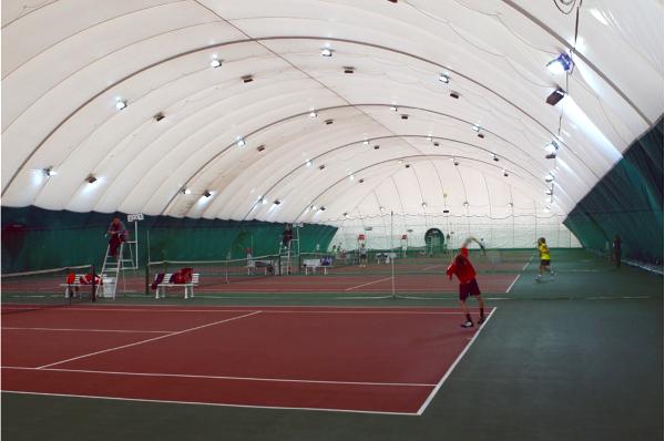 Оборудование для волейбола и большого тенниса.